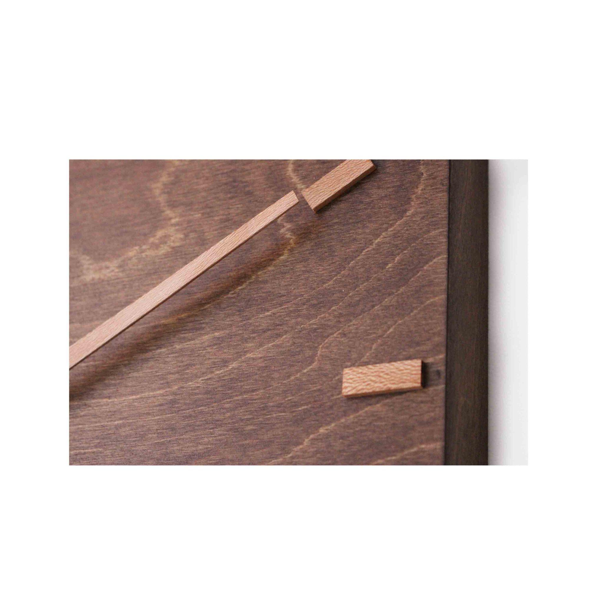 ساعت چوبی دیواری، ساعت کادویی