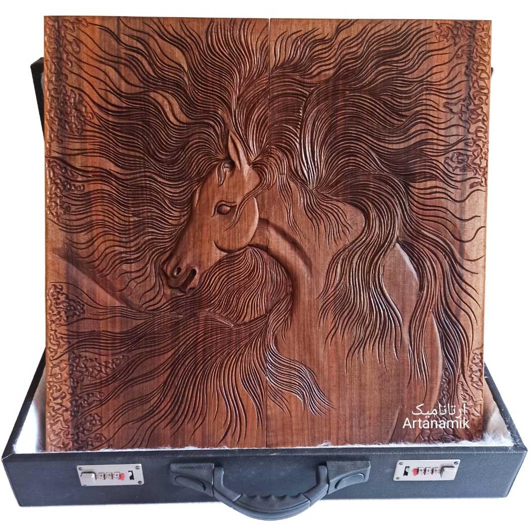 تخته نرد منبت کاری طرح اسب رهوار، تخته نرد کادویی و تخته نرد نفیس روی چوب گردو