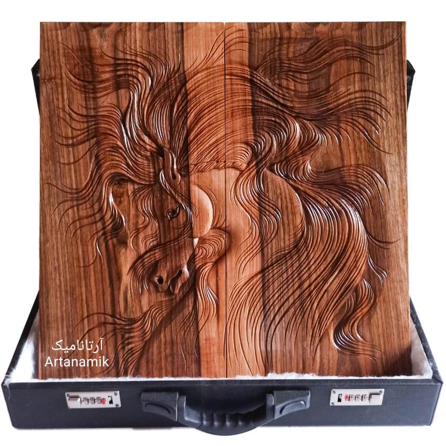 تخته نرد منبت کاری طرح اسب غرور، تخته نرد کادویی و تخته نرد نفیس ساخته شده از چوب گردو