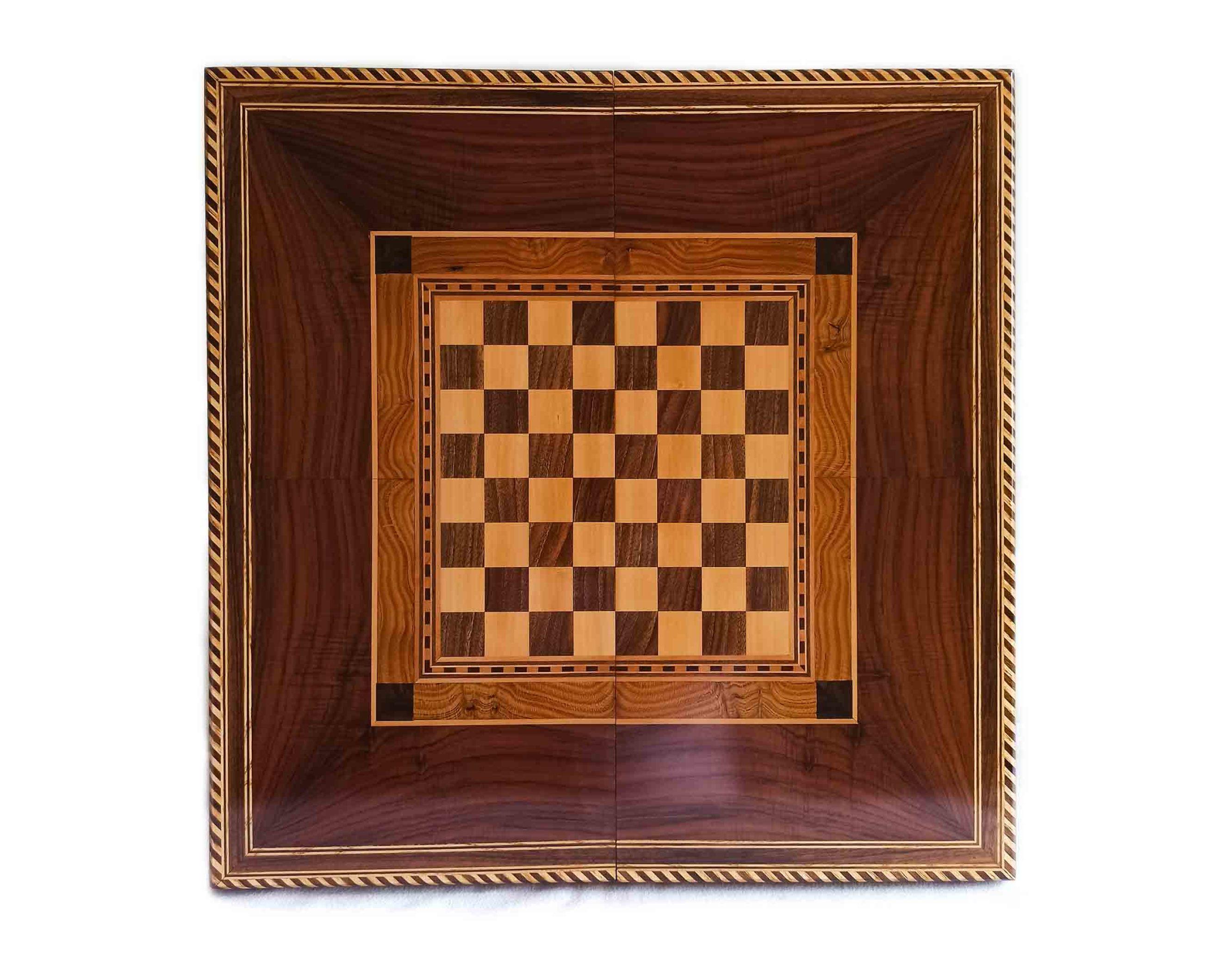 تخته نرد شطرنج، تخته نرد کادویی و تخته نرد نفیس، ساخته شده از چوب گردو