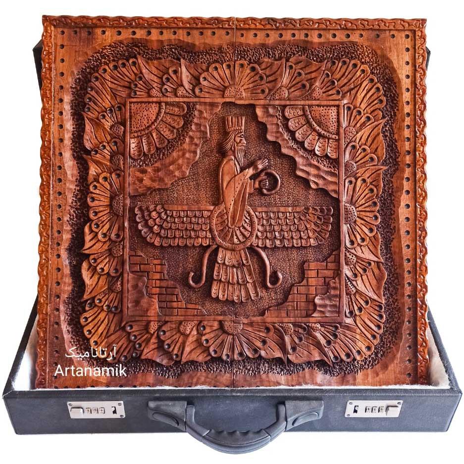 تخته نرد منبت کاری طرح فروهر، تخته نرد کادویی و تخته نرد نفیس ساخته شده از چوب گردو