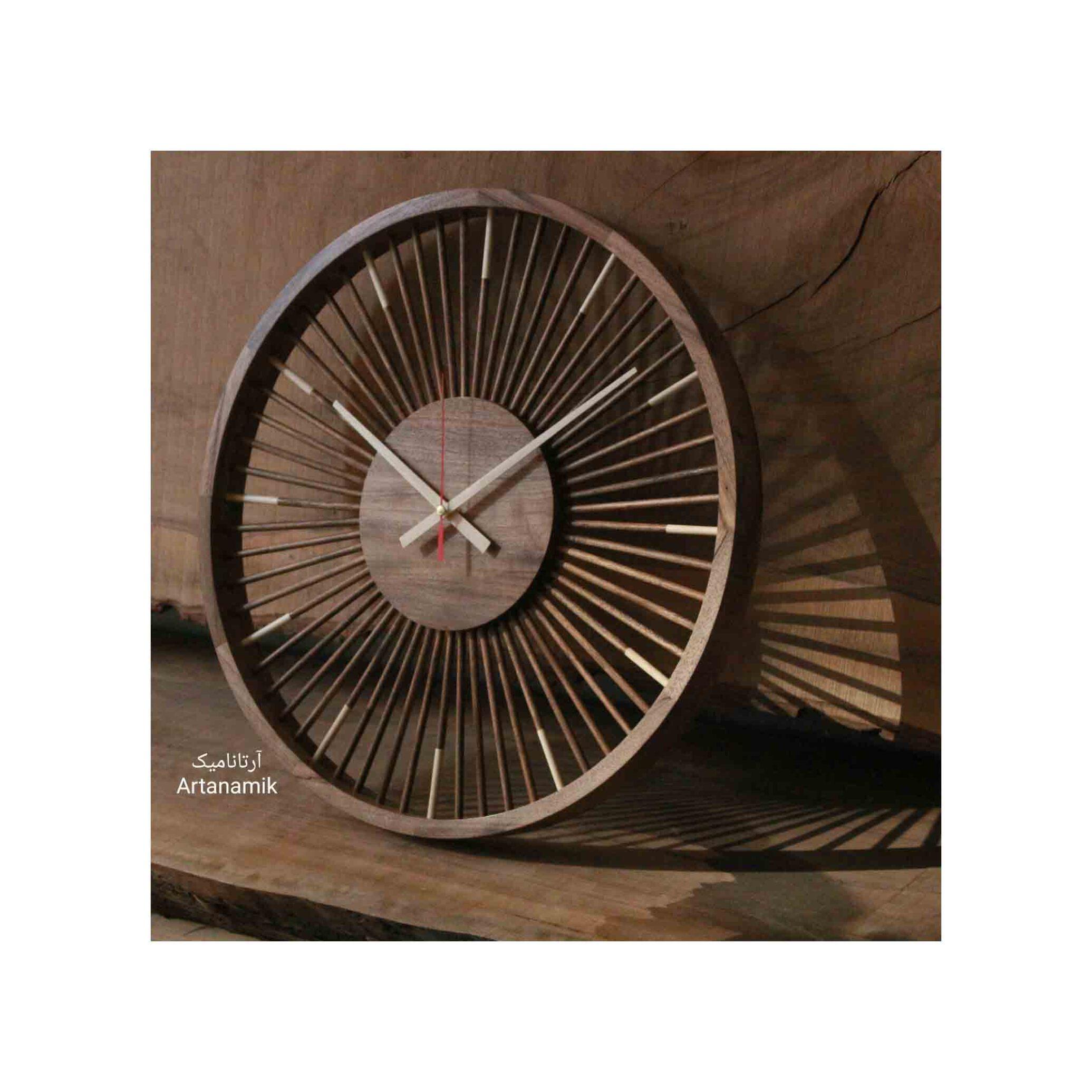 ساعت چوبی کادویی و نفیس، ساخته شده از چوب گرد