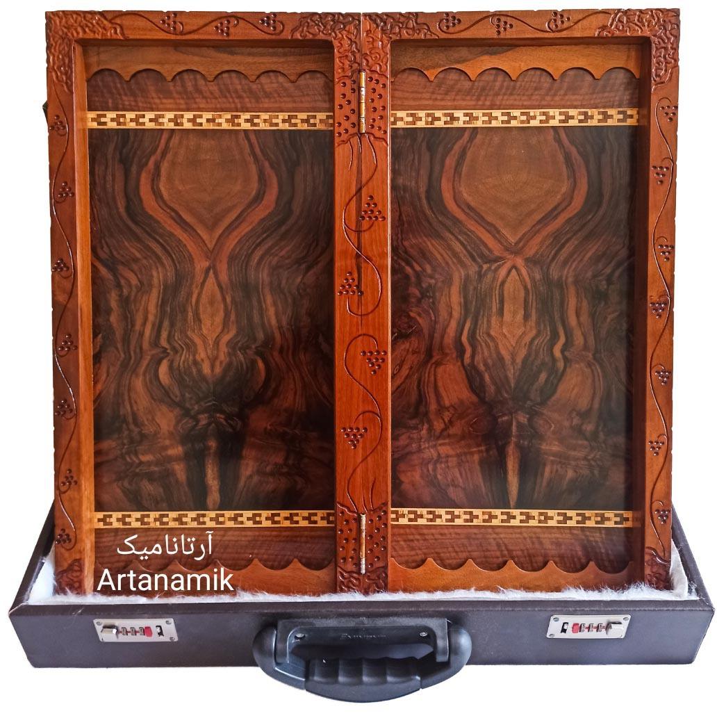 داخل تخته نرد منبت کاری طرح شوالیه، تخته نرد کادویی و تخته نرد نفیس، ساخته شده از چوب گردو